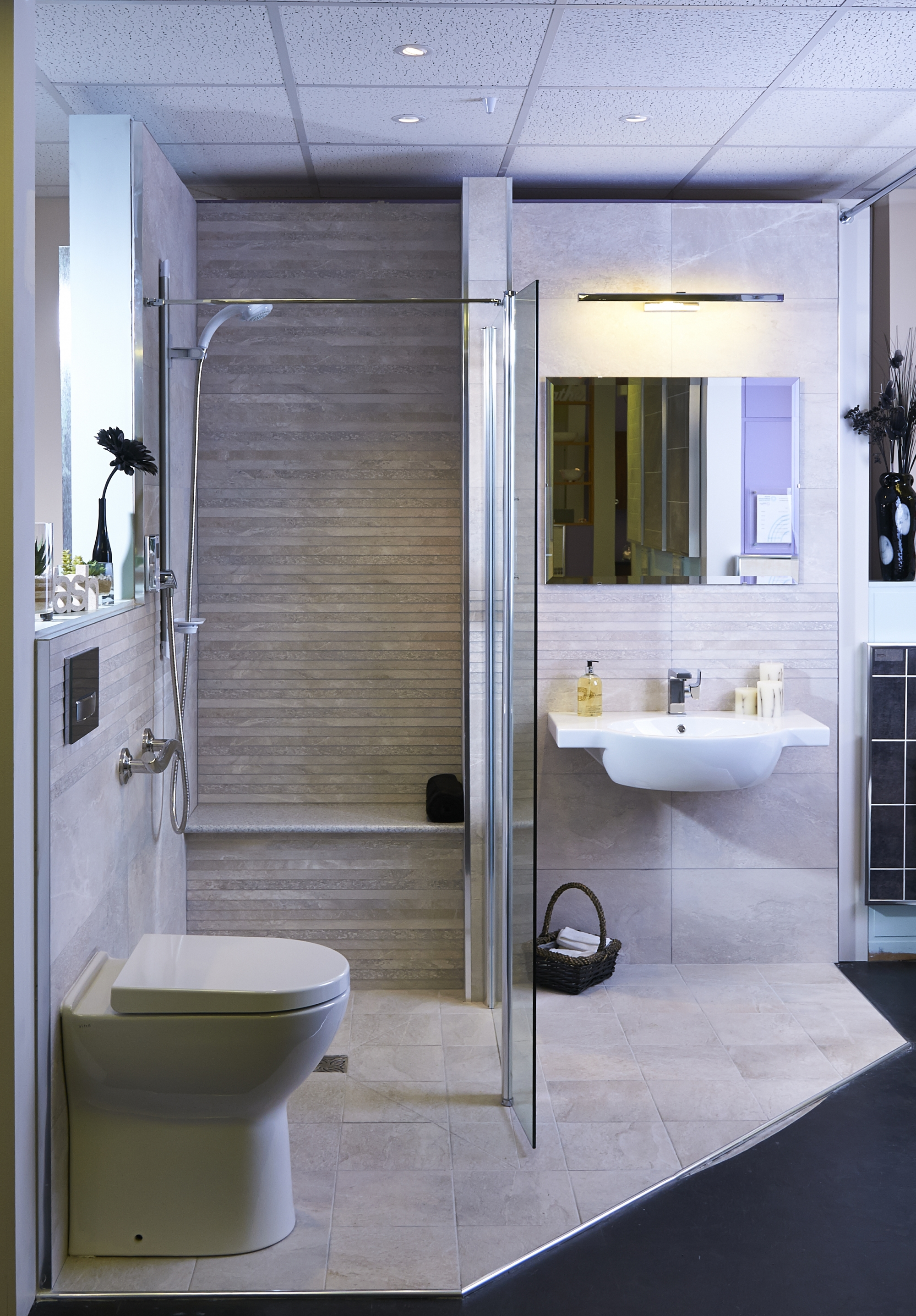 Help advice stylish easy access bath shower rooms - Disabled shower room ...
